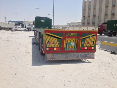 flat bed trilers for rent