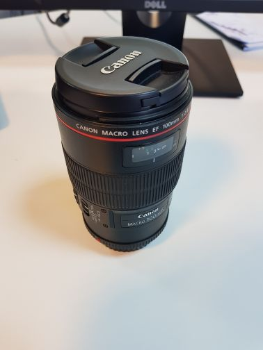 canon100mm macroIS USM with stabelizer