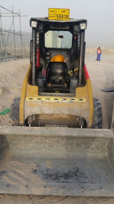 Caterpillar skid loader