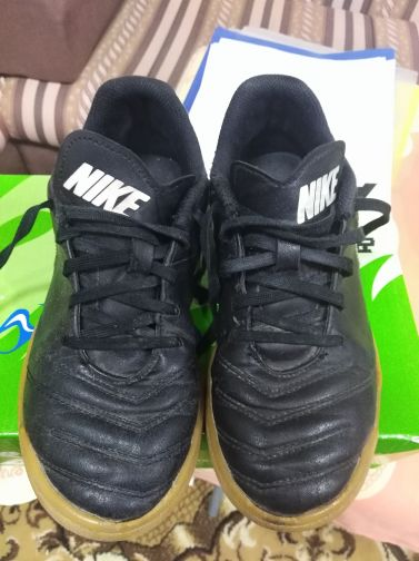 shose sport nike size 35 for sell