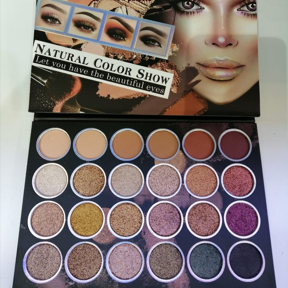 makeup set available