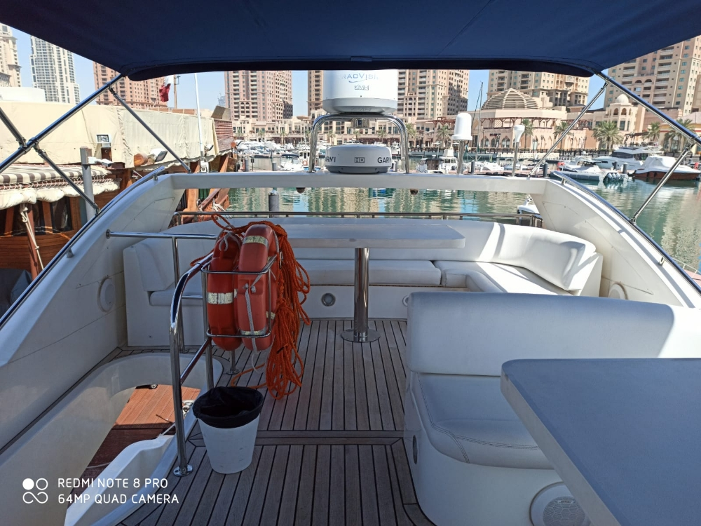 yacht for rent (family)