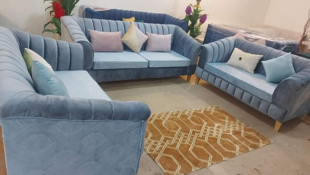 for sale/Brand New Sofa Set  very good quality  3/seater/2/seater/2/seater  total 7-seater  contact number WhatsApp  Call.me/31539210