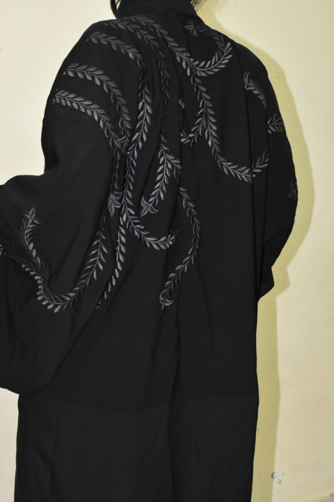 abayas for sale in mint condition.. high quality..