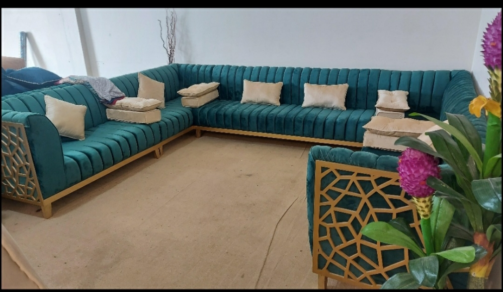 for sale/3900 Qr/ Brand New Sofa