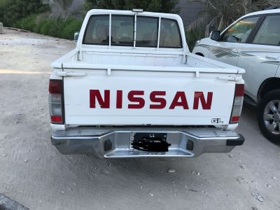 for urgent sale Nissan Pick up