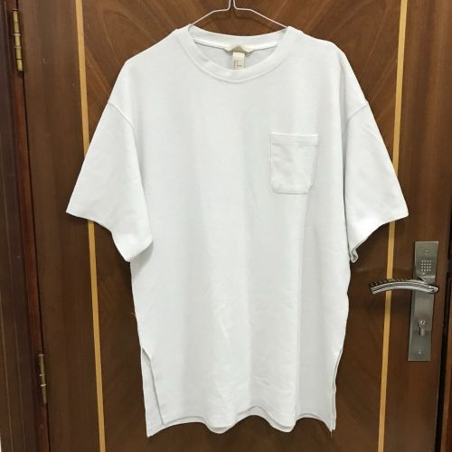 White H&M shirt