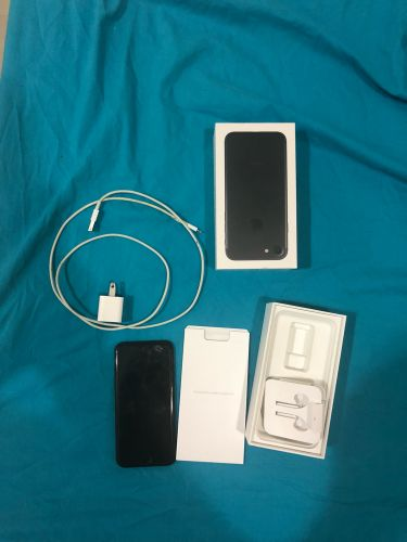 I phone 7 32 gb mat black