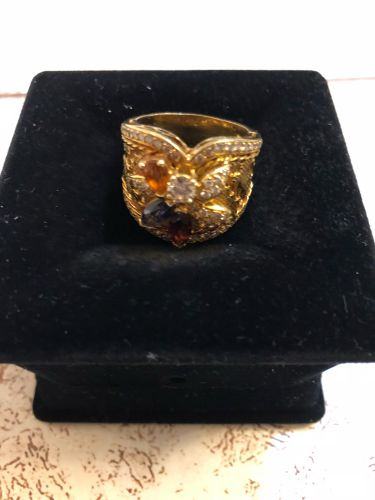 Ring gold diamond