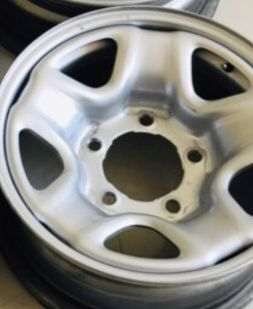 5Rims for sale with bolts & cups