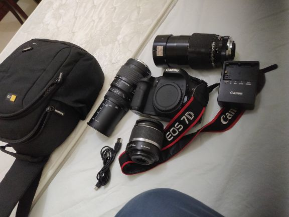 canon ,d7 with  three lense