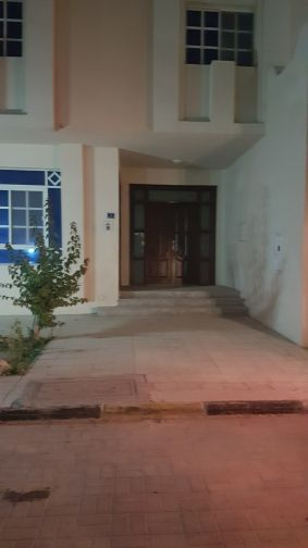 Villa for rent in Khraitiyat