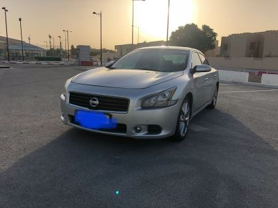 full option Nissan  Maxima