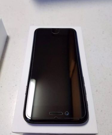 Apple IPHONE 7-  32gb Black