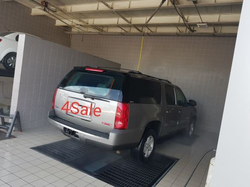 GMC YUKON 4WD VERY good condition