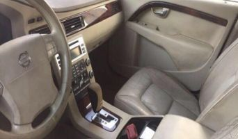 VOLVO S80 V8 AED