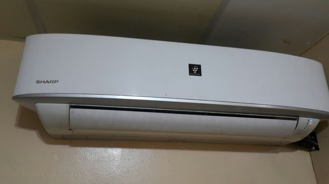 SHARP 1.5 air conditioner