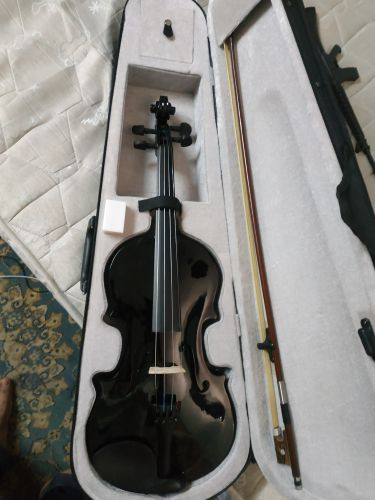 acoustic violin in gud condition 4/4