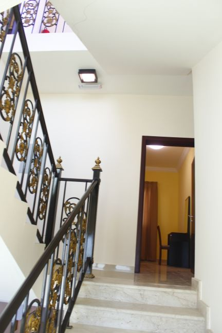 villa s in new compound  for rent