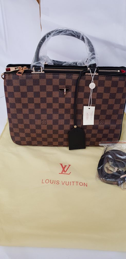 Louise Vuittion Bag For Sale