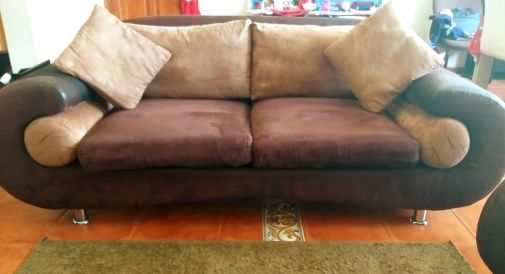 sofa for sale 2 chairs + 2 sofa