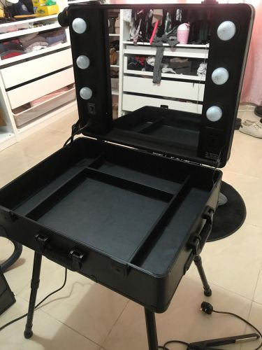 Makeup / cosmatic station trolley