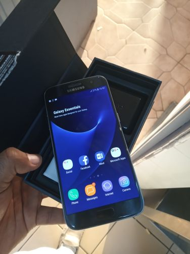 Samsung S7 daul sim  like new