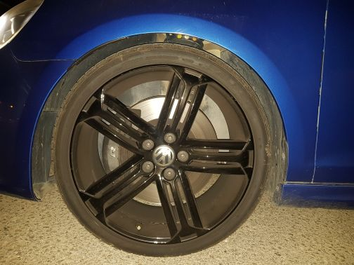 "19"" rims, 5 bolts + 3 tirs"