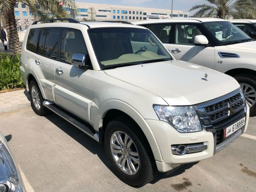 Pajero 3.8 Full Option Almost New