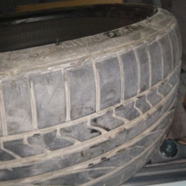 "19"" Bridgestone run flat tyre"