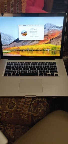 MacBook pro 2010 i7 4Gb 500Gb good condi
