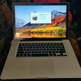 MacBook pro 2010 i7 4Gb good condition