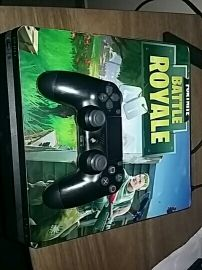 PlayStation 4 perfect condition