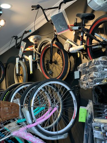 Bicycle shop al Aziziya