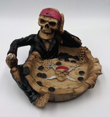 Skull and Rasta Novelty Ashtray display