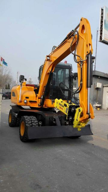 mini tyre excavator six tons