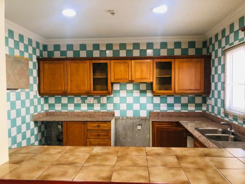 3 BHK semi furnished old airport