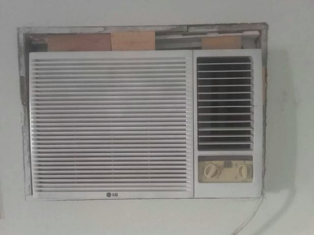 ac for Sale good Condition