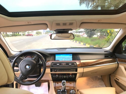 BMW 550i perfect condition.