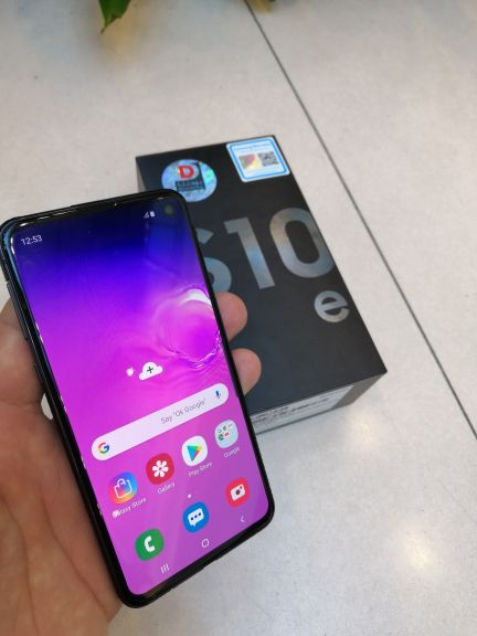 Galaxy S10e Black New