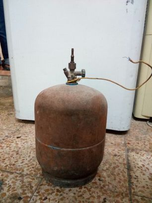 Traveling gas cylinder