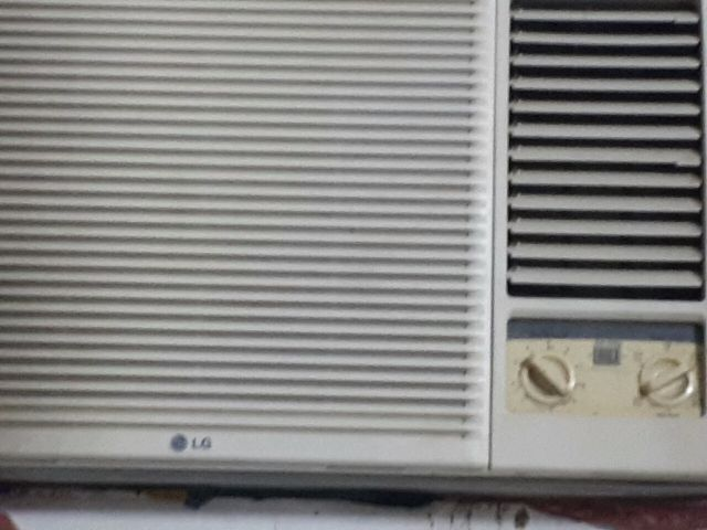 WINDOW LG AC FOR SALE