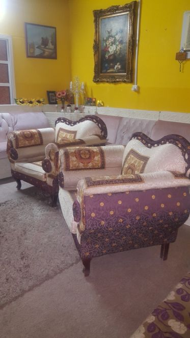 2 sofa gud only 4manth use