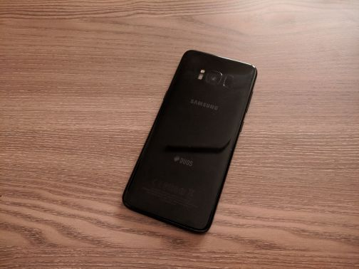 s8 screen and battery