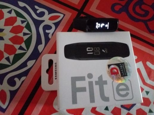 Samsung Band Fit e with warranty