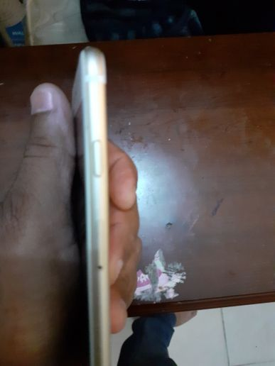 I phone 6  16 GB for sale no scratch wit