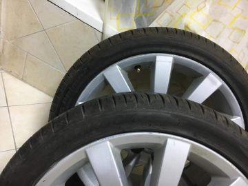 Hankook tires with rim
