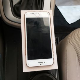 iPhone 8 64 gigabyte for sale clean