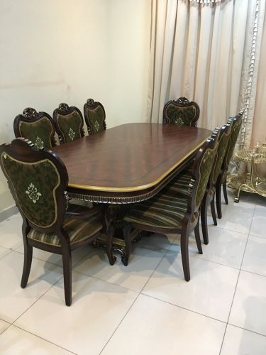Dining Table with 8 chair For sel