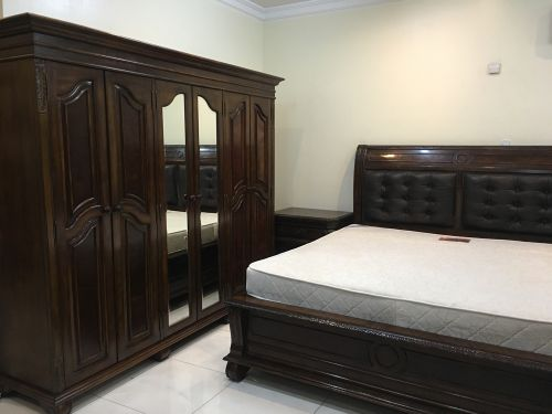 Solid wood Bedroom set for Sell -